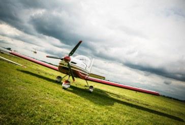 هواپیمای قرمز